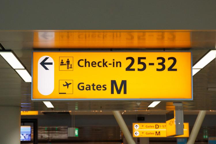 Extra controle op luchthavens voor eenoudergezinnen